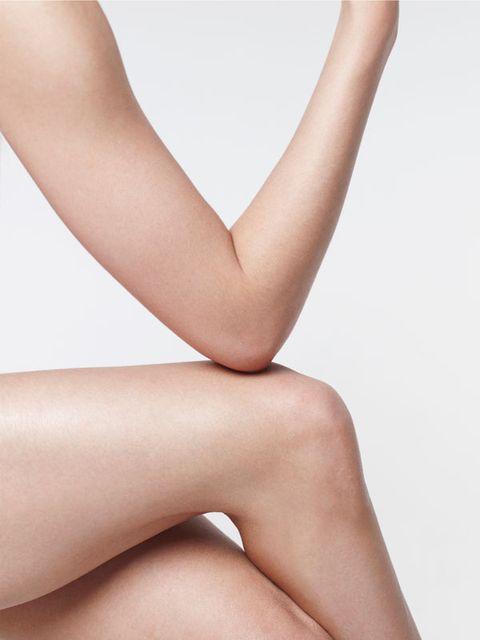 Finger, Skin, Shoulder, Joint, Wrist, Tan, Back, Nail, Flesh, Stomach,