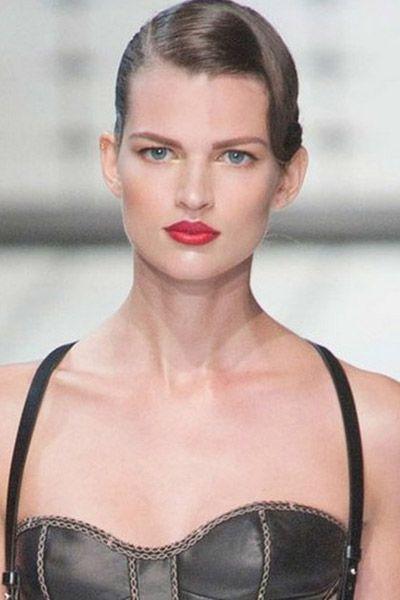 Clothing, Hair, Lip, Hairstyle, Eyebrow, Eyelash, Style, Beauty, Fashion, Neck,