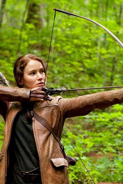 Bow and arrow, Bow, People in nature, Arrow, Archery, Field archery, Forest, Longbow, Precision sports, Target archery,