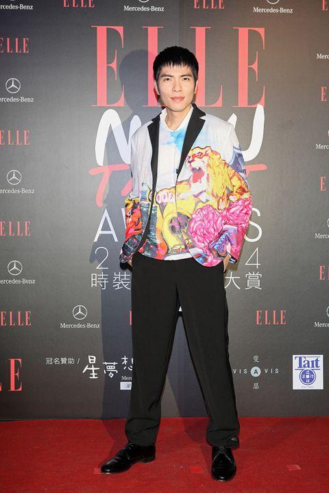 Style, Formal wear, Collar, Blazer, Carpet, Suit trousers, Premiere, Fashion design, Pocket, Graphic design,