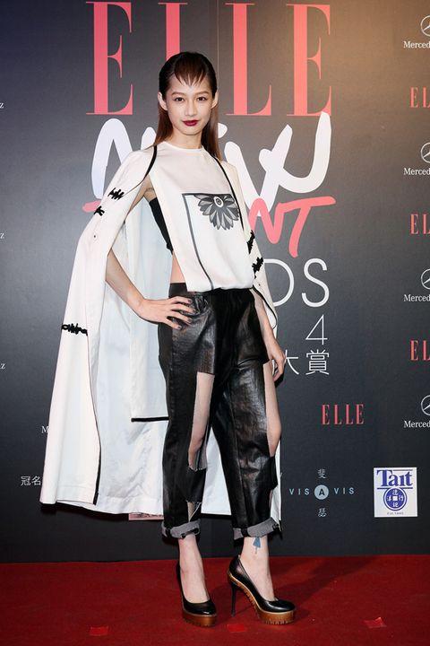 Shoe, Style, Carpet, Fashion, Black hair, Youth, Bangs, Fashion model, Street fashion, Premiere,