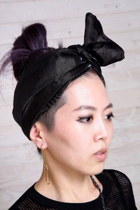 Ear, Nose, Mouth, Hairstyle, Chin, Forehead, Eyebrow, Eyelash, Style, Fashion accessory,