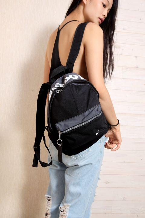Product, Shoulder, Bag, Joint, Denim, Jeans, Style, Fashion, Luggage and bags, Pocket,