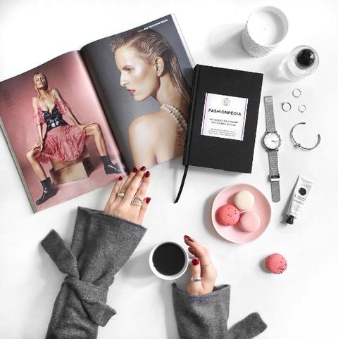 Human, Pink, Nail, Lipstick, Eyelash, Cosmetics, Material property, Peach, Nail polish, Makeover,