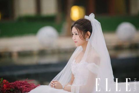 Bridal veil, Veil, Eye, Bridal clothing, Eyebrow, Photograph, Bride, Wedding dress, Bridal accessory, Formal wear,