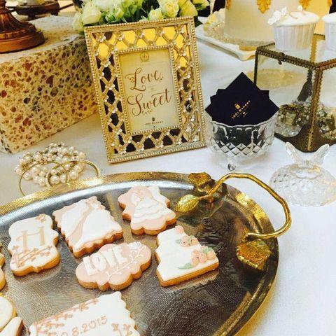 Finger food, Cuisine, Serveware, Dish, Plate, Recipe, Dishware, Meal, Sweetness, Home accessories,