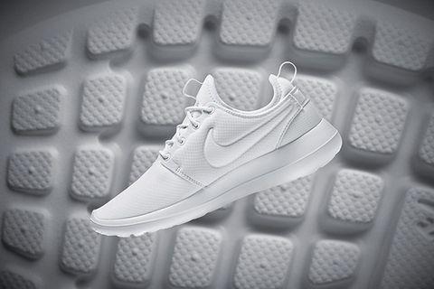 Product, Athletic shoe, Shoe, White, Pattern, Sportswear, Line, Light, Carmine, Black,
