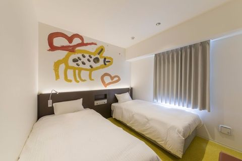 Bed, Room, Interior design, Property, Textile, Wall, Bedding, Bedroom, Floor, Linens,