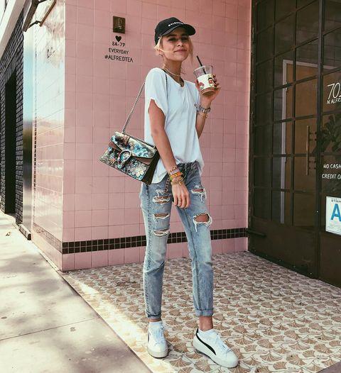 Clothing, Jeans, Street fashion, Shoulder, Fashion, Footwear, Leg, Trousers, Denim, Sleeve,