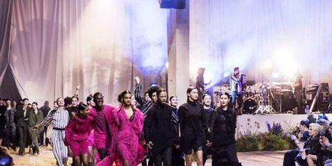 Purple, Event, Fashion, Performance, Crowd, Dress, Night, Stage, Leisure, Performance art,