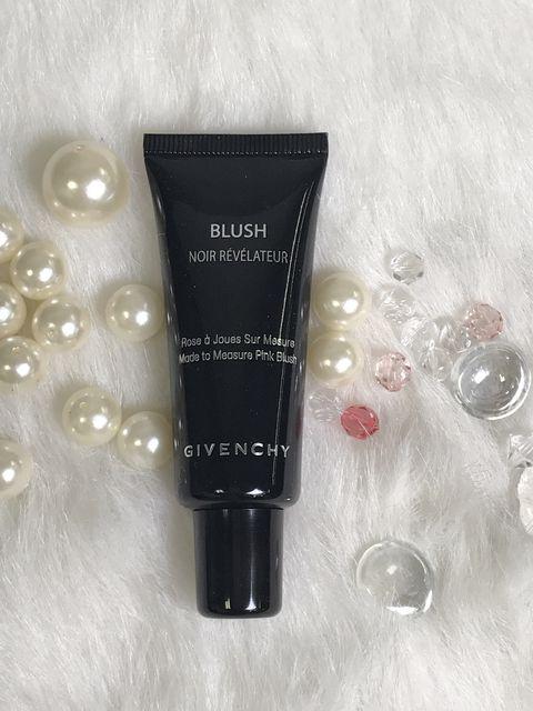 Product, Water, Skin care, Cream, Material property, Cosmetics, Liquid,