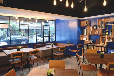 Lighting, Interior design, Table, Furniture, Room, Glass, Interior design, Hardwood, Light fixture, Shelf,