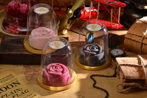 Pink, Sweetness, Magenta, Flowering plant, Purple, Garden roses, Rose family, Violet, Rose order, Party supply,