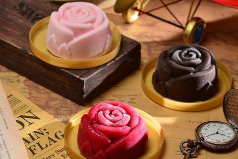 Sweetness, Food, Cuisine, Dessert, Ingredient, Cake, Baked goods, Pink, Cake decorating, Cake decorating supply,