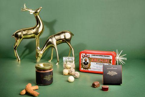 Sculpture, Metal, Bronze sculpture, Deer, Horn, Bronze, Brass, Still life photography, Antelope, Toy,