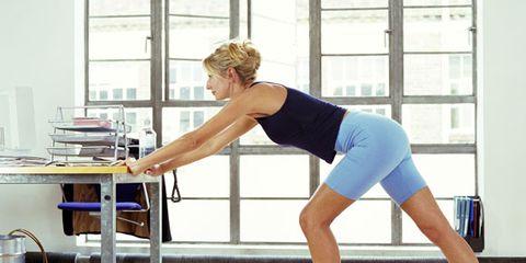 Leg, Human leg, Shoulder, Elbow, Standing, Sportswear, Joint, Wrist, Exercise, Chest,