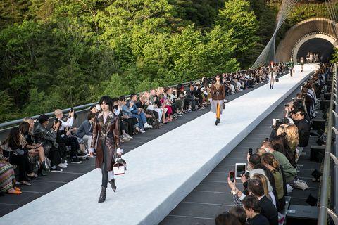 People, Fashion, Crowd, Runway, Event, Spring, Design, Tree, Pedestrian, Fashion show,