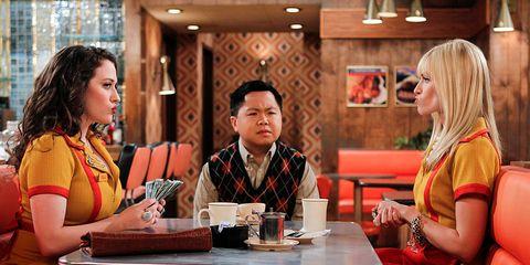 Table, Sitting, Sharing, Conversation, Blond, Restaurant, Customer, Business, Handbag, Wine glass,