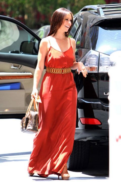 Shoulder, Dress, Vehicle door, Car, Automotive exterior, Formal wear, One-piece garment, Waist, Gown, Automotive lighting,