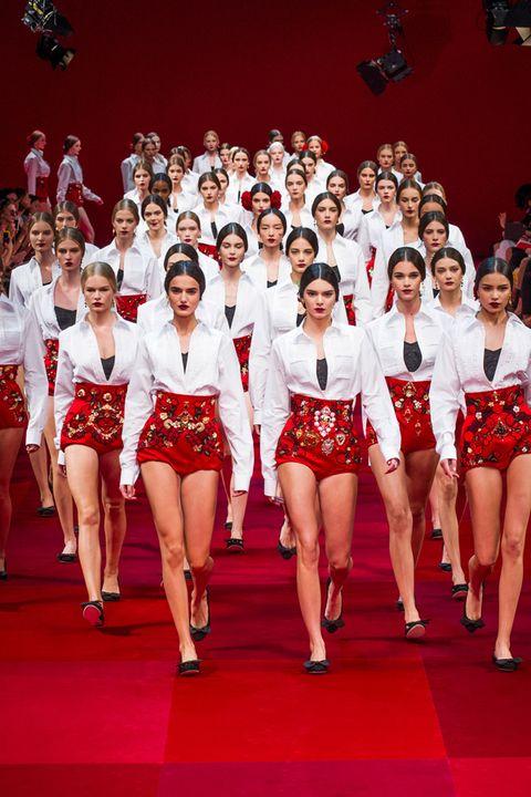 Leg, Red, Human leg, Uniform, Team, Fashion, Thigh, Competition, Gymnastics, Calf,
