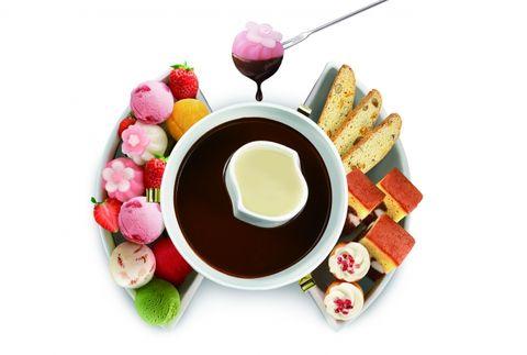 Serveware, Food, Dishware, Cuisine, Ingredient, Meal, Tableware, Dish, Breakfast, Magenta,