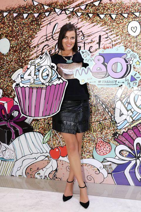 Cupcake, Pink, Cake, Style, Dessert, Baked goods, Sweetness, Baking cup, Cake decorating, Cake decorating supply,