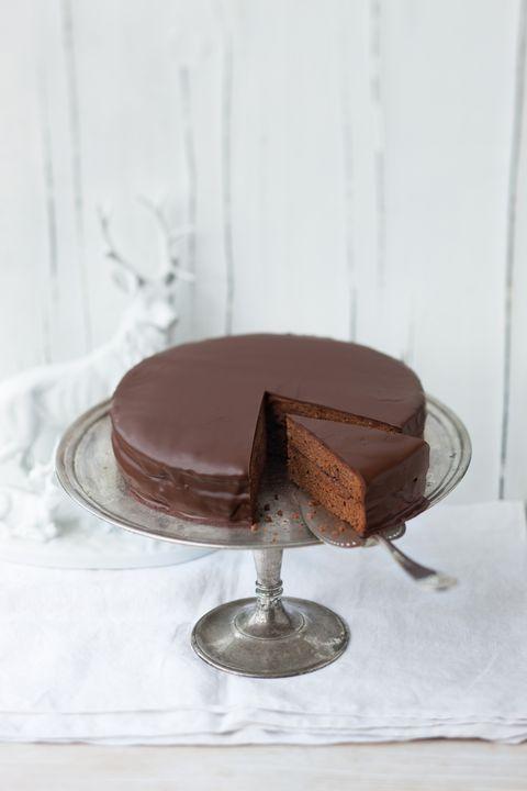 Food, Sweetness, Cake, Cuisine, Dessert, Baked goods, Chocolate, Ingredient, Snack, Chocolate cake,