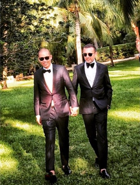Clothing, Coat, Trousers, Collar, Shirt, Suit trousers, Outerwear, Formal wear, Suit, Style,