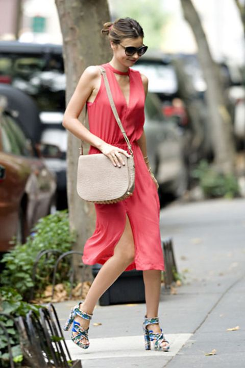 Shoulder, Human leg, Fashion accessory, Style, Street fashion, Bag, Sunglasses, Waist, Goggles, Sandal,