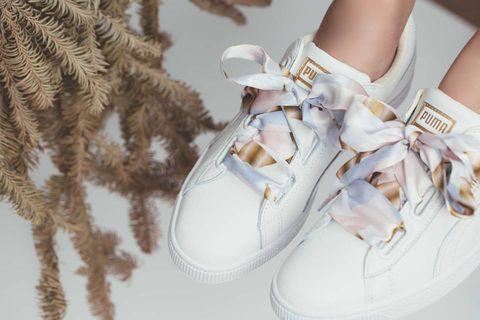 Footwear, White, Shoe, Product, Fur, Sneakers, Beige, Fashion accessory, Boot,