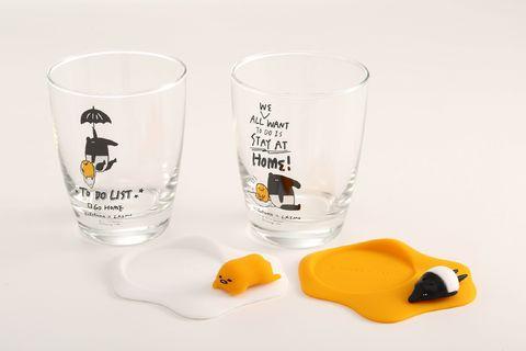 Drinkware, Product, Pint glass, Yellow, Glass, Tableware, Tumbler, Highball glass, Beer glass, Skull,