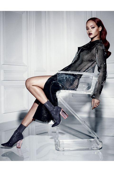 Leg, Human leg, High heels, Joint, Style, Knee, Fashion model, Beauty, Sitting, Fashion,