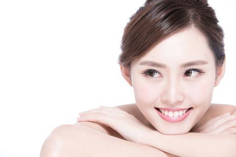 Face, Ear, Lip, Hairstyle, Skin, Eye, Chin, Forehead, Shoulder, Eyebrow,