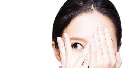Finger, Cheek, Skin, Chin, Forehead, Eyebrow, Eyelash, Wrist, Organ, Black hair,