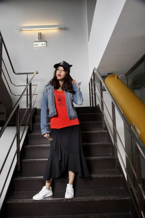 Stairs, Sleeve, White, Standing, Style, Ceiling, Jacket, Fashion accessory, Street fashion, Fashion,