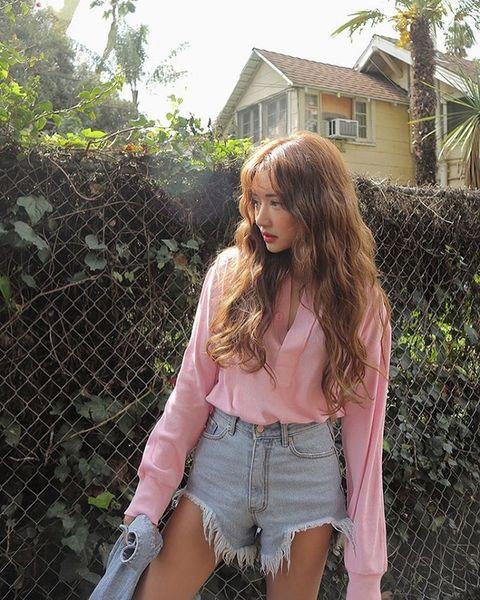 Clothing, Window, Denim, jean short, Wire fencing, Mesh, House, Street fashion, Beauty, Pocket,