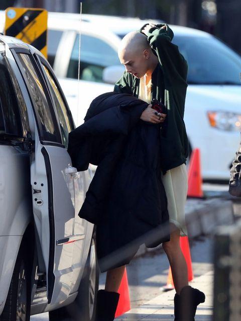 Street fashion, Tights, Snapshot, Fashion, Footwear, Leg, Outerwear, Sunglasses, Vehicle, Headgear,