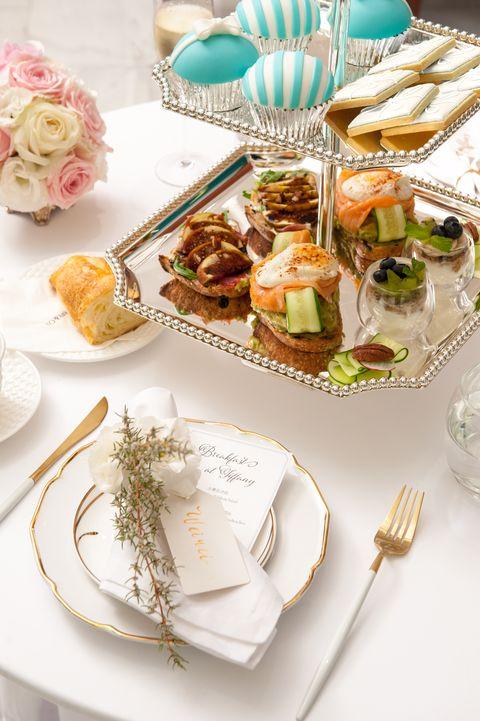 Food, Dish, Brunch, Meal, Cuisine, Table, Tableware, À la carte food, Garnish, Ingredient,