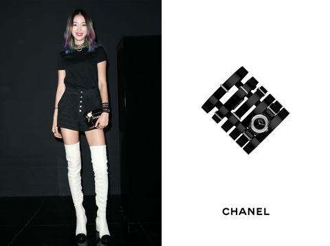 Leg, Sleeve, Style, Knee, Boot, Fashion model, Thigh, Black, Waist, Street fashion,