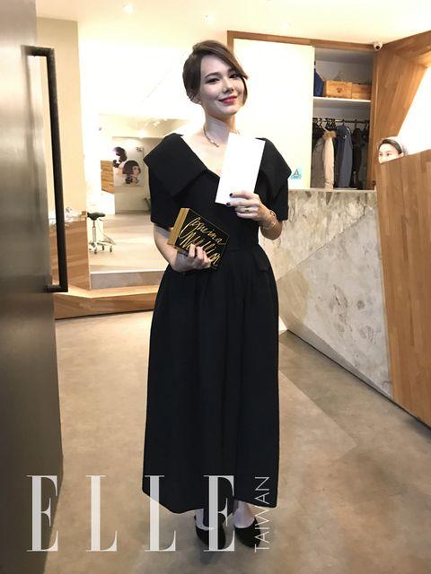 Sleeve, Shoulder, Dress, Jewellery, Flooring, Formal wear, One-piece garment, Little black dress, Waist, Day dress,