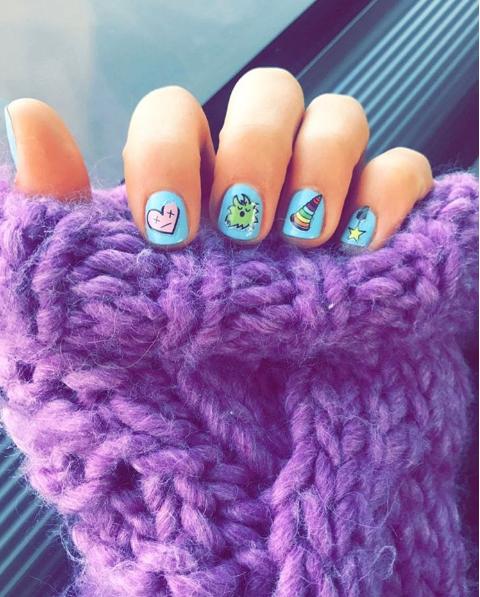 Blue, Finger, Purple, Violet, Textile, Magenta, Pink, Nail, Lavender, Pattern,