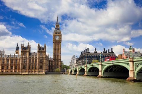 Sky, Bridge, Architecture, Clock tower, Cloud, Waterway, Arch bridge, Tower, City, Channel,