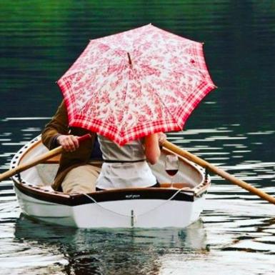 Water, Transport, Recreation, Shirt, Boat, Outdoor recreation, Watercraft, Boating, Lake, Reflection,