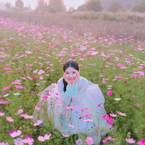 Human, Plant, Petal, Flower, Happy, People in nature, Pink, Grassland, Meadow, Wildflower,