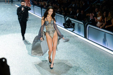 Leg, Human body, Human leg, Fashion show, Runway, Fashion model, Dress, Fashion, Thigh, Model,