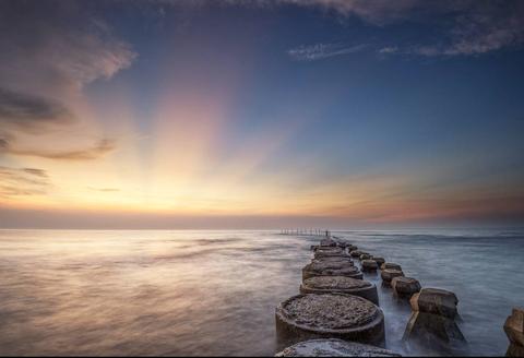 Sky, Horizon, Sea, Water, Cloud, Ocean, Natural landscape, Sunset, Sunrise, Calm,