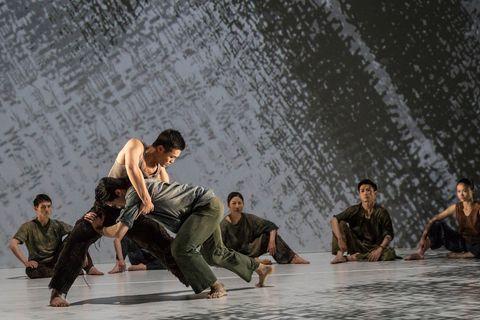 Arm, Human body, Barefoot, Performance art, Stage, Drama, Choreography, Dancer, Dance, Scene,