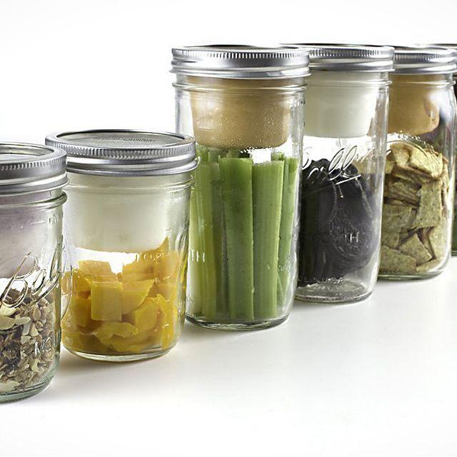 BNTO-Canning-Jar-Lunchbox-Adaptor-Gear-Patrol-Lead-Full