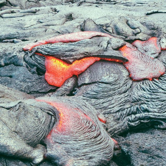 Hawaii-Lava-Hike-Gear-Patrol-Lead-Full