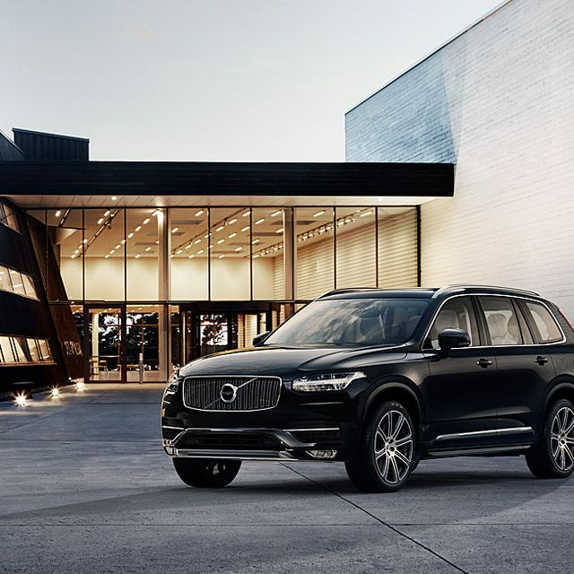 Volvo-XC90-Full-Lead